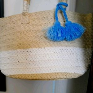 Altru Straw Bag with tassel